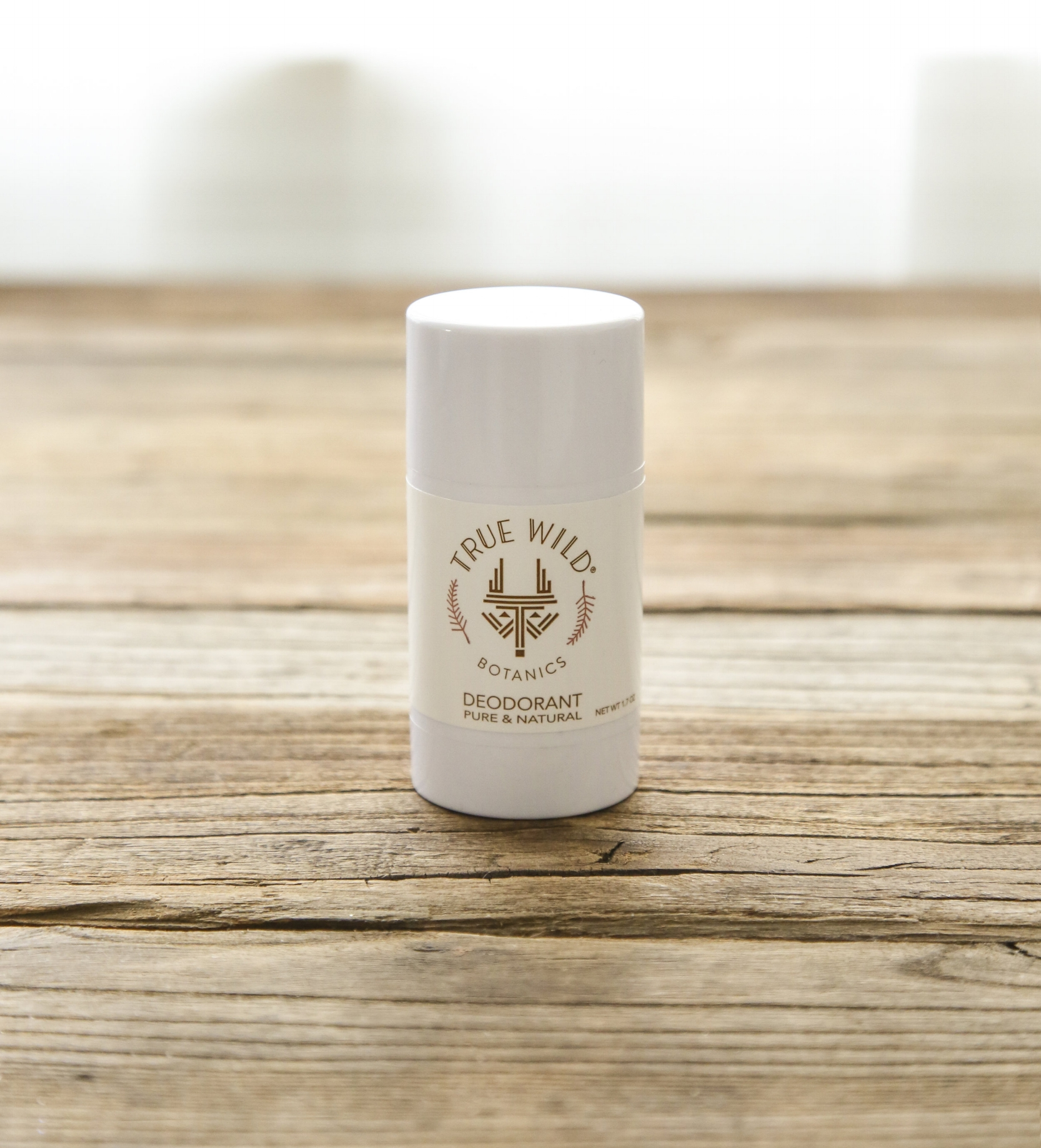 True Wild Botanics Pure & Natural Deodorant is powered with the help of baking soda, arrowroot powder and shea butter to restore pH balance, absorb moisture and eliminate bacteria. Tea Tree essential oil's antifungal, antibacterial and antiviral properties keep odor-causing bacteria under wraps. Lavender and bergamot essential oils add detoxifying and disinfecting qualities with a clean scent to make your nose happy.