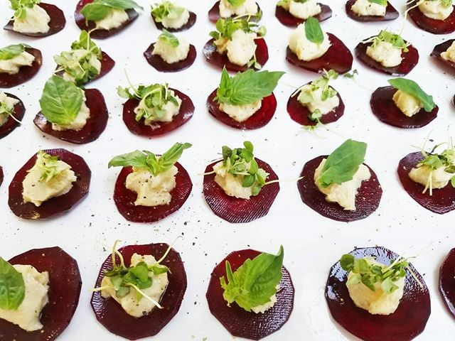 Here is another appetizer from a few weeks ago celebrating the powerful and creative @srimati 🎉 . Raw Ravioli with Cashew Truffle Cheese topped with basil & micro basil 😍 . This was easy, beautiful, and super impressive party food! Recipe from her Plantpower Way cookbook 💫💕🌱💫 . . #plantpowered #cleaneating #dairyfree #vegancheese #thischeeseisnuts #theplantpowerway #peacebeginsonyourplate #raiseyourvibration #consciousness #eatfortheplanet #veganfortheanimals #veganformyhealth #veganfortheplanet #chloescleancuisine