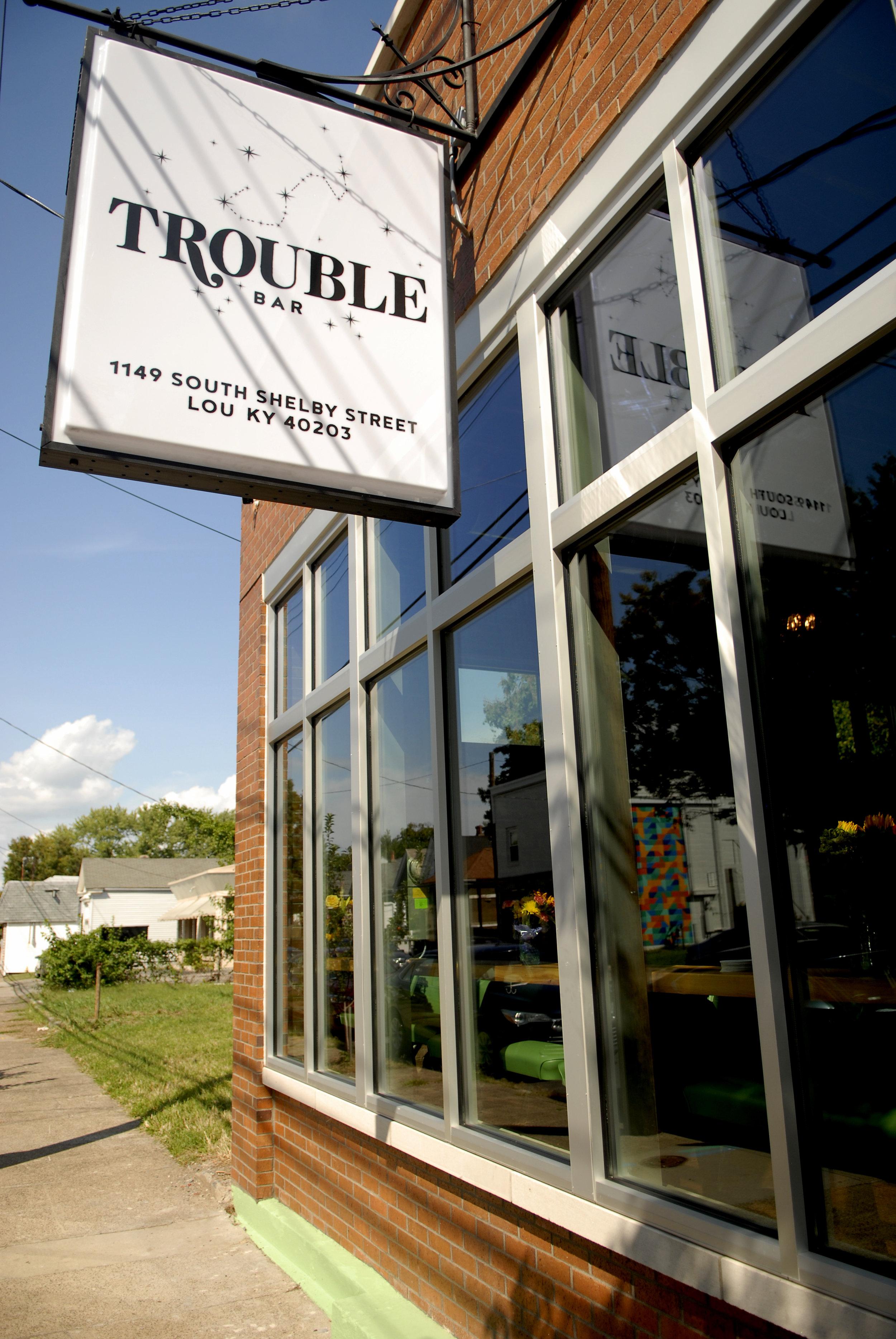 0830_trouble_03_mh.jpg