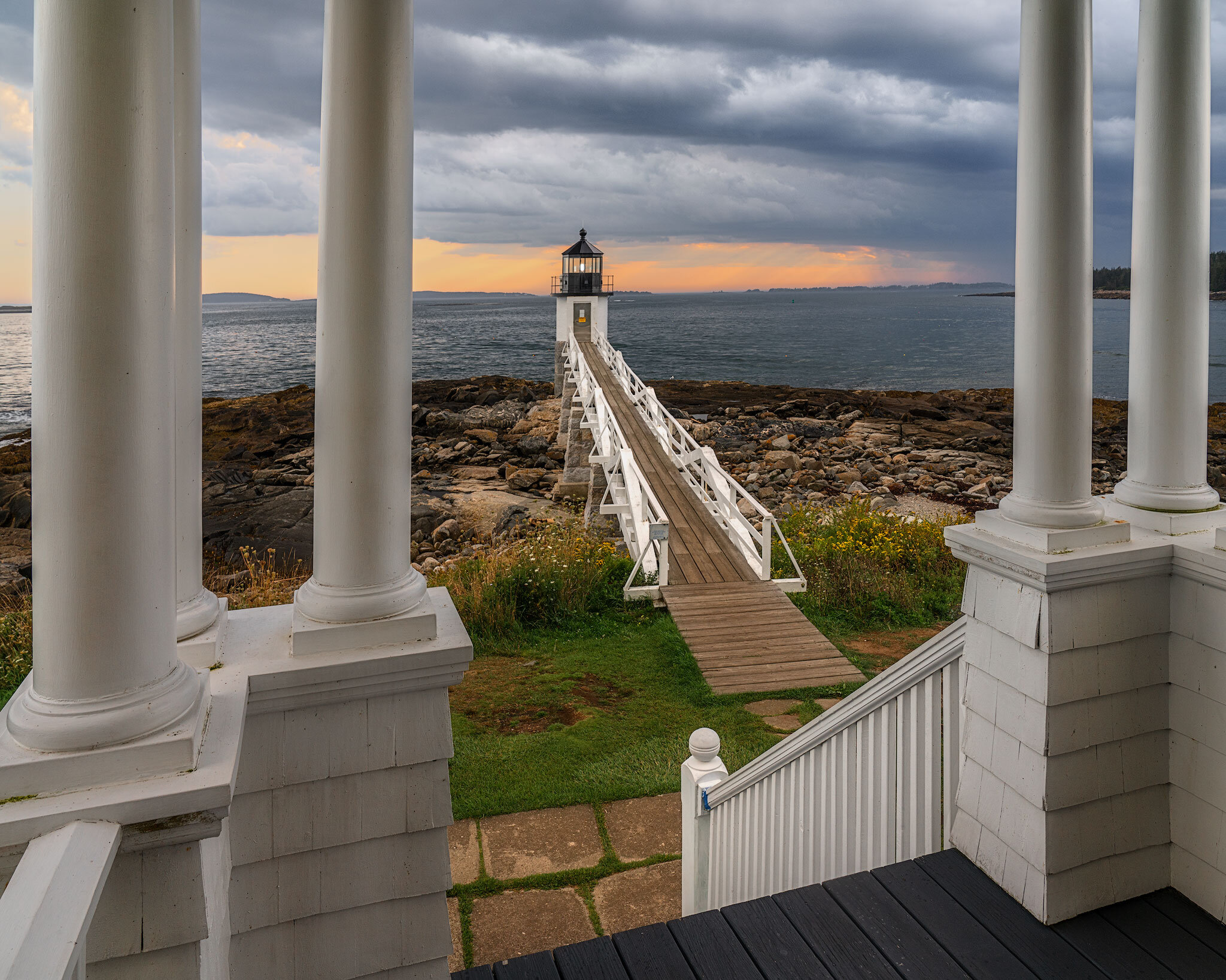 Maine-Marshall-Pt-Lighthouse.jpg