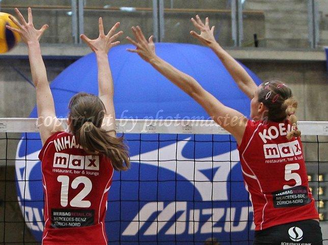 Gabi #5, blocking with Brankica Mihajlovic (SRB), Volero Zurich (SUI),2010/2011
