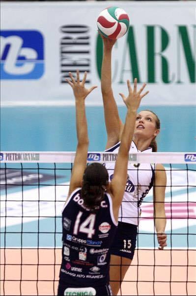 In action! (on block Caterina Bosetti, MC-Carnaghi Villa Coretse), Riso Scotti Pavia (ITA), 2011/2012