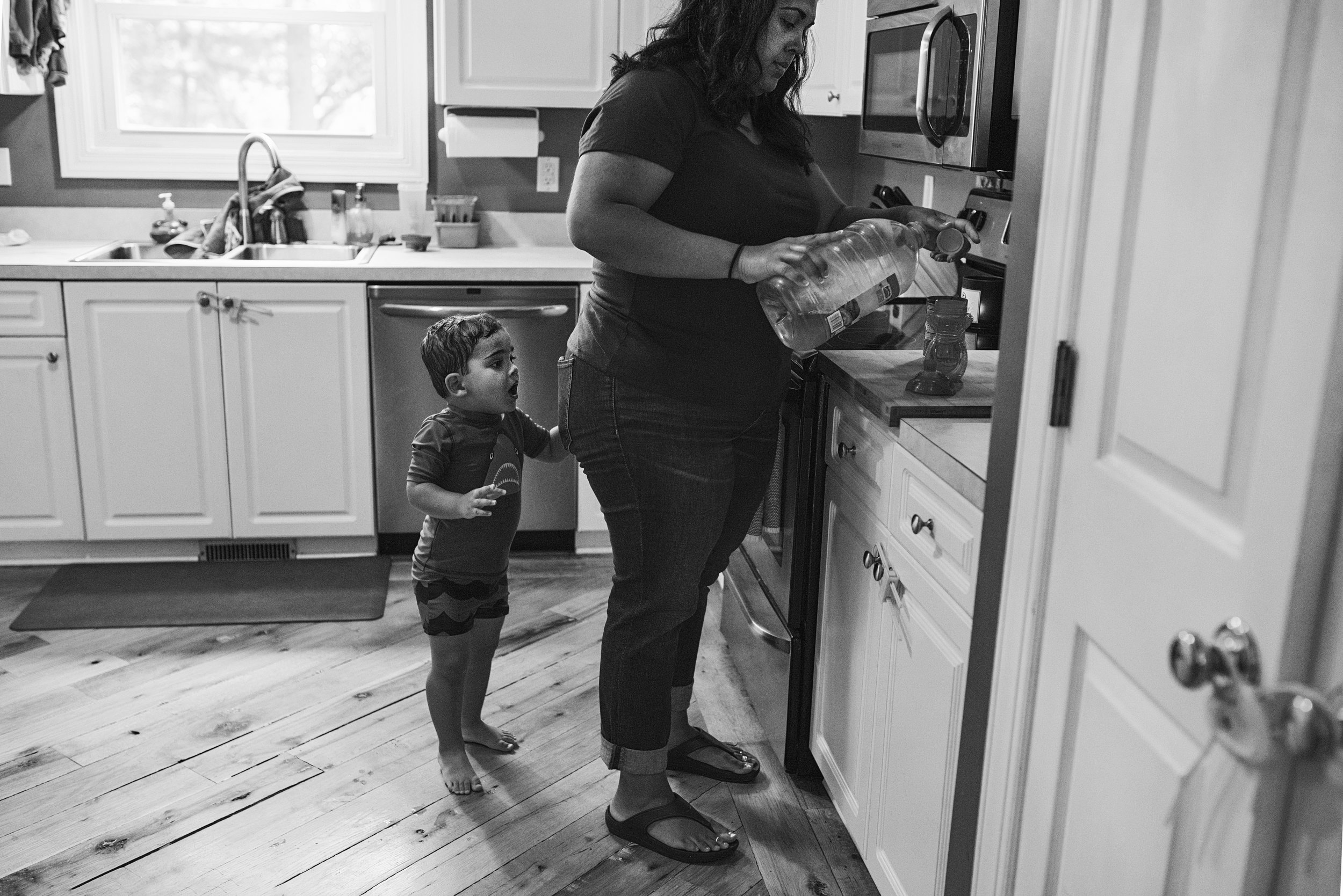 richmond family photographer offers documentary photography to create images of parents and their kids.
