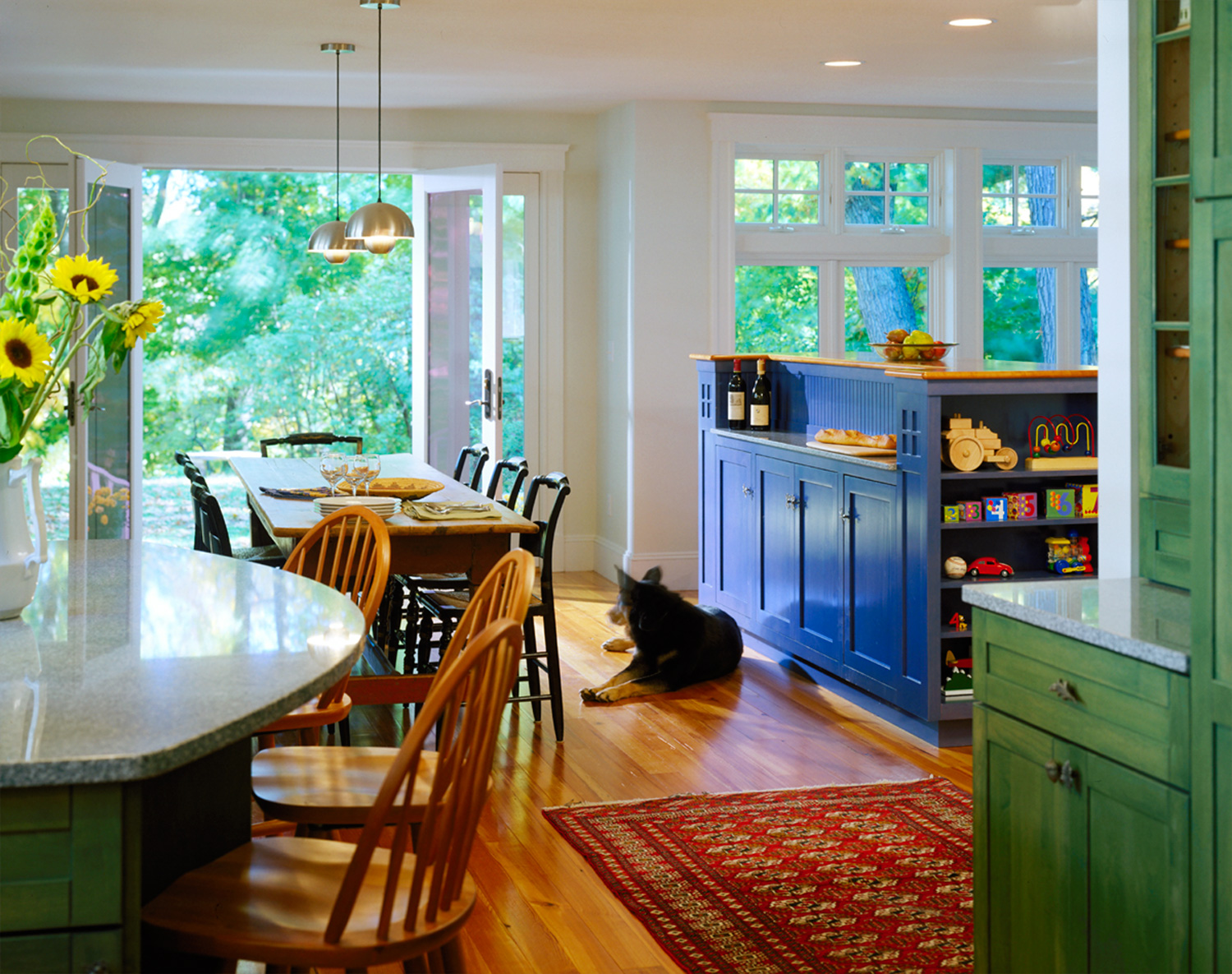 Jones-Hecht-Interior-Dining-with-Dog.jpg