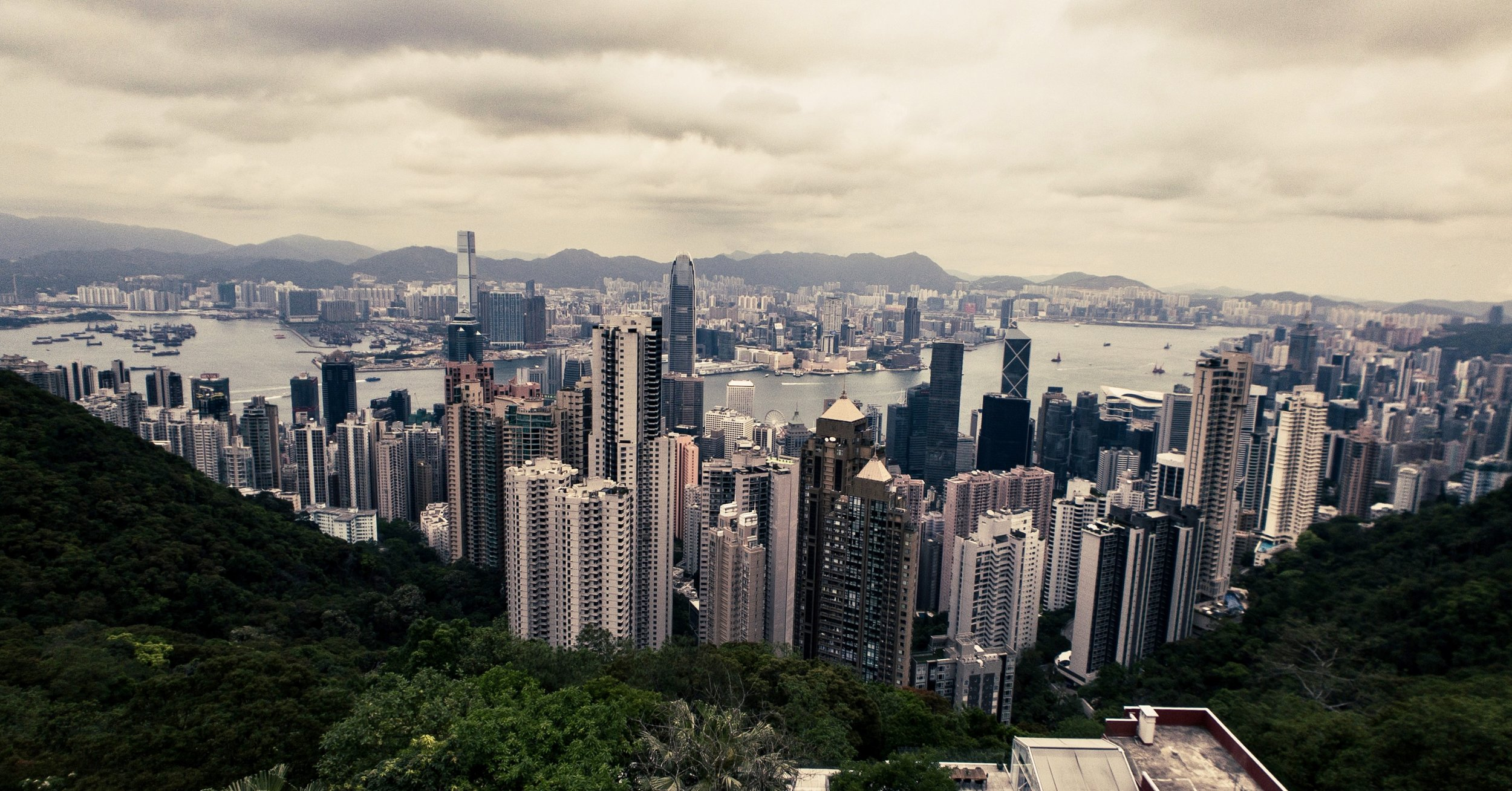 Easy cityscape after a hike up Victoria Peak - Wide 18mm Lens + iPhone X