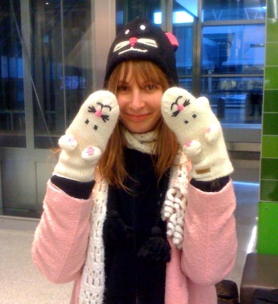 becca hat mittens.jpeg
