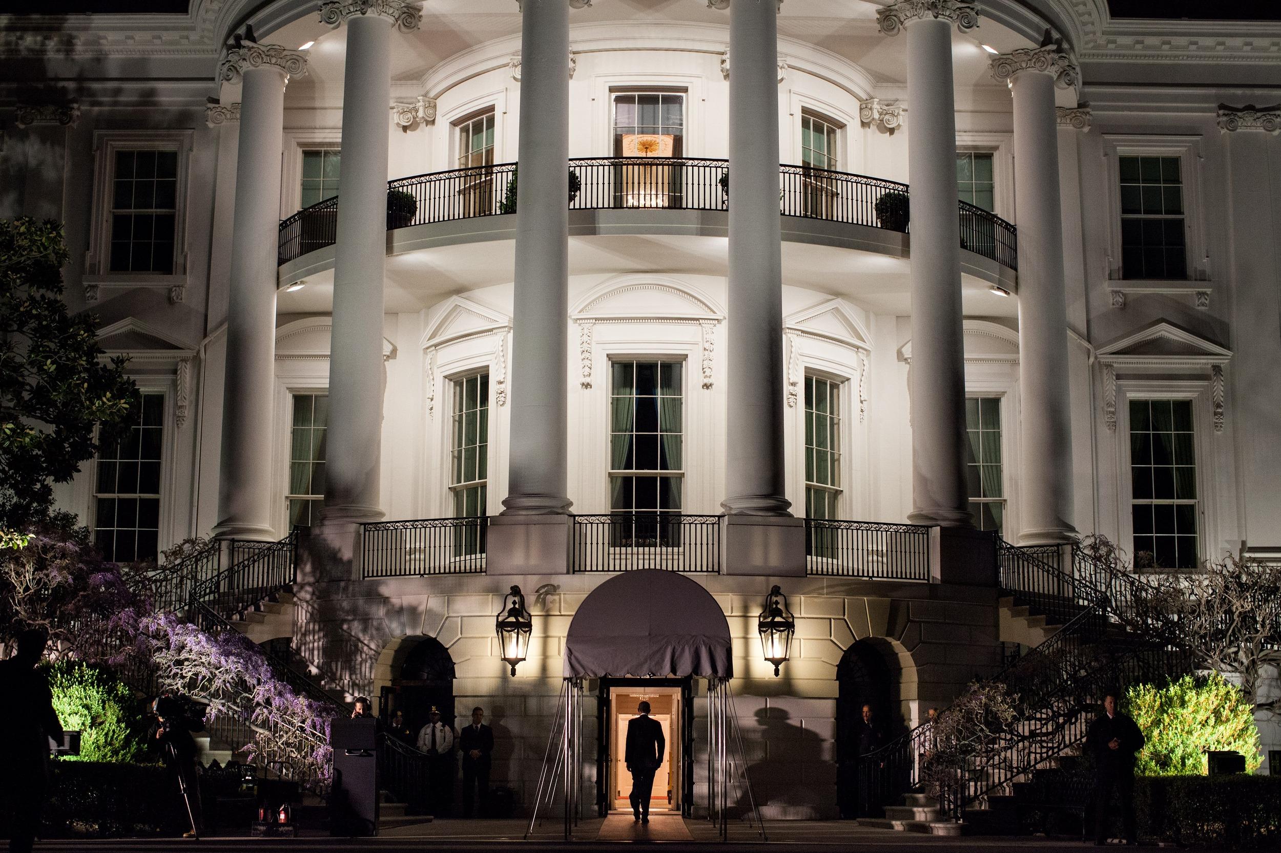 the-white-house-103927.jpg