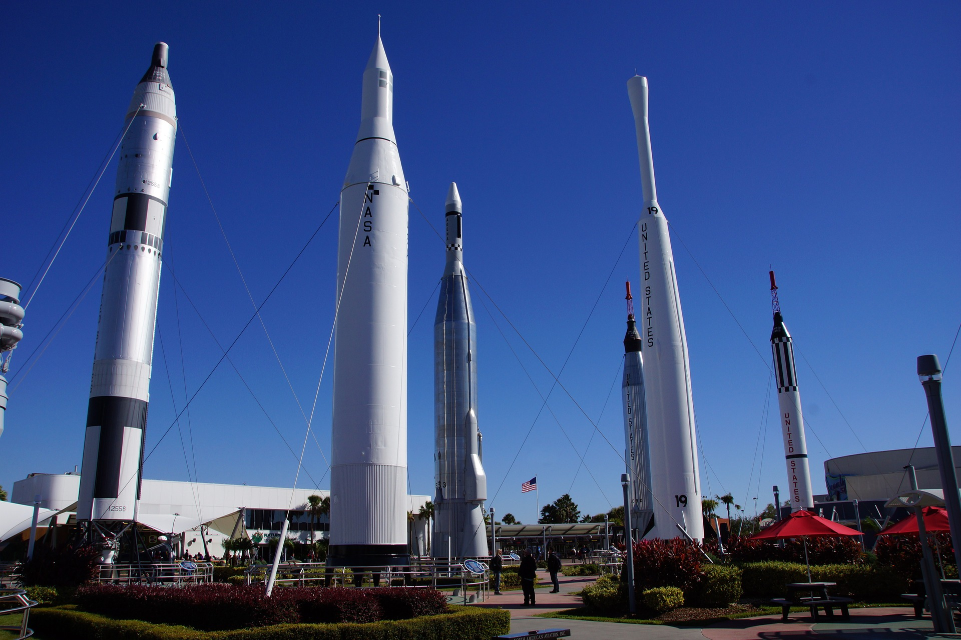 cape-canaveral-992547_1920.jpg