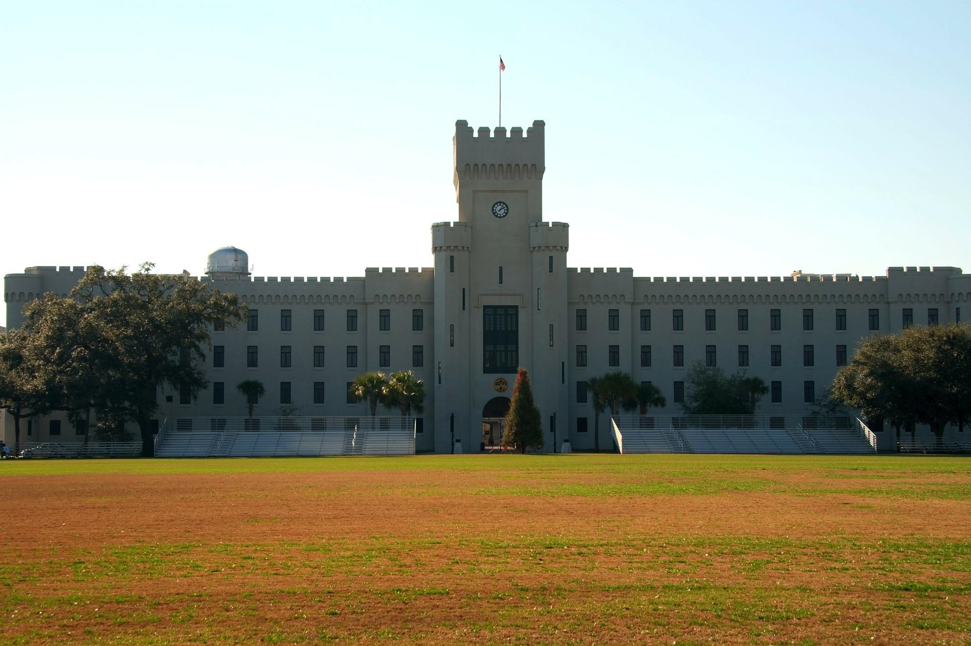 citadel-68702_1920.jpg