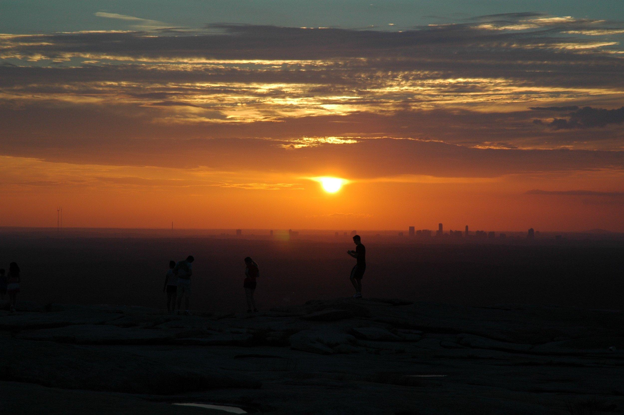 sunset-207221.jpg