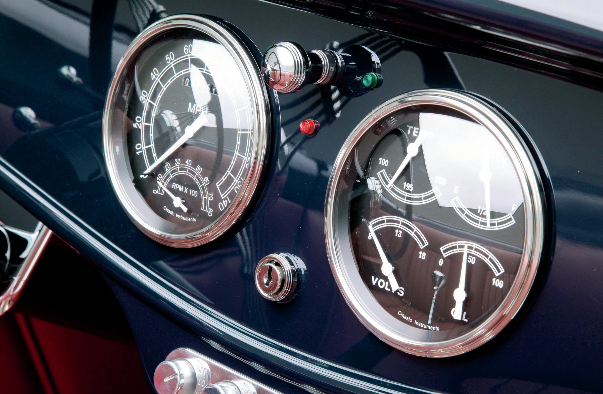 1933-asc-convertible-interior-classic-instruments-gauges-speedo-tach-combo-and-quad-four-in-one-gauge.jpg