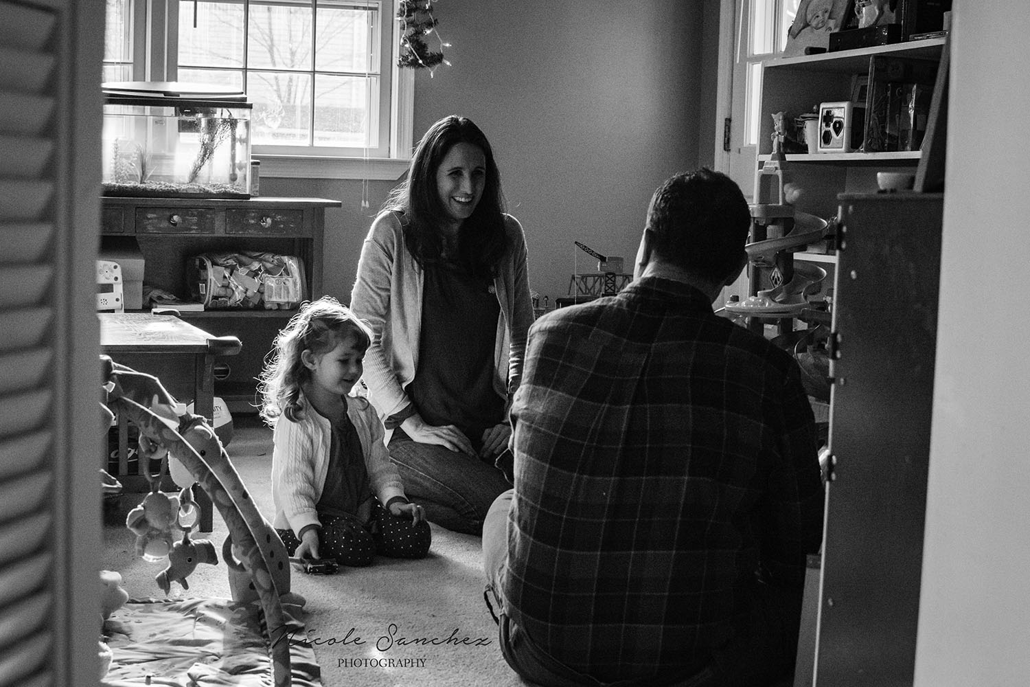 Relaxed family moment, in-home documentary session