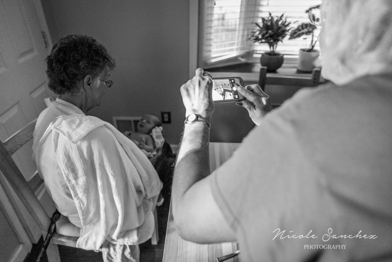 Documenting-Newborn-Moments-Northern-Virginia-Family-Photographer-3.jpg