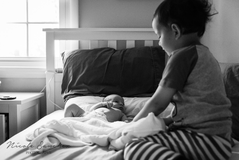 Newborn with brother | Northern Virginia Lifestyle Photographer