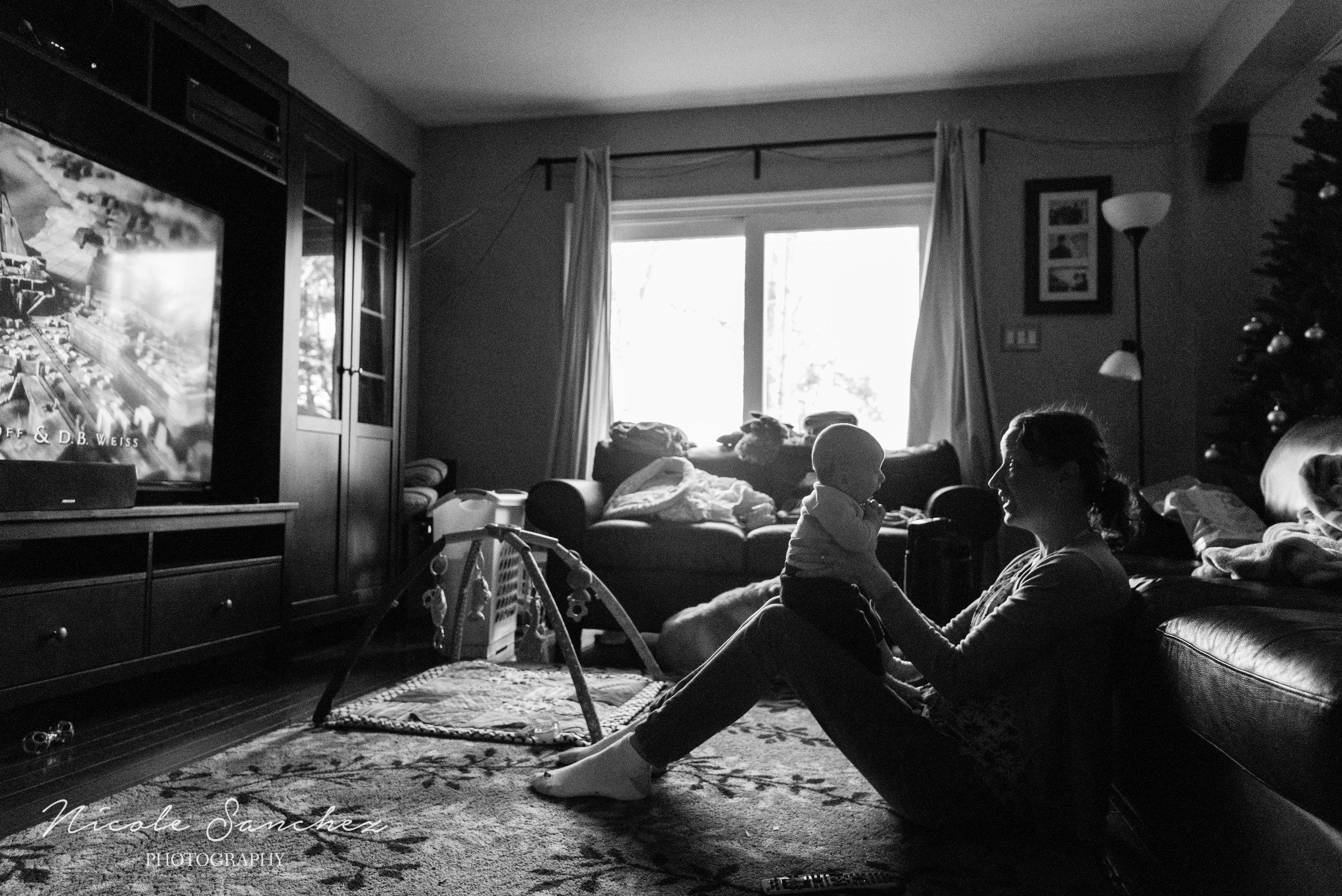 Around-Our-Clocks-Documentary-Blog-Circle-December-nicole-sanchez-northern-virginia-family-photographer-3.jpg