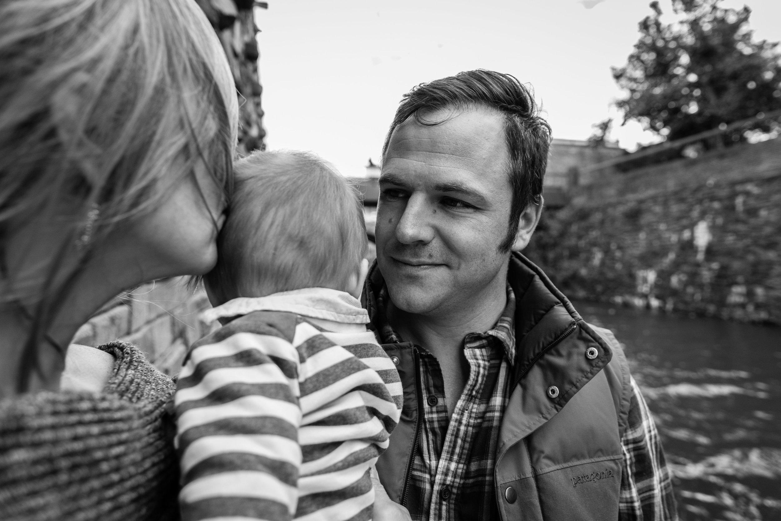 outdoor-urban-documentary-family-session-nicole-sanchez-washington-dc-family-photographer-4.jpg