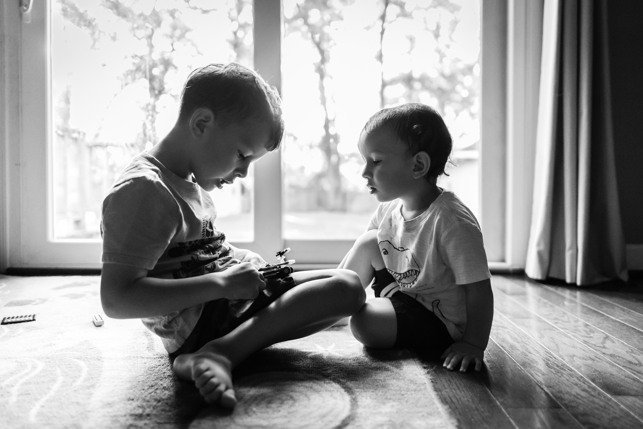 Brothers playing legos together by Northern Virginia Family Photographer Nicole Sanchez
