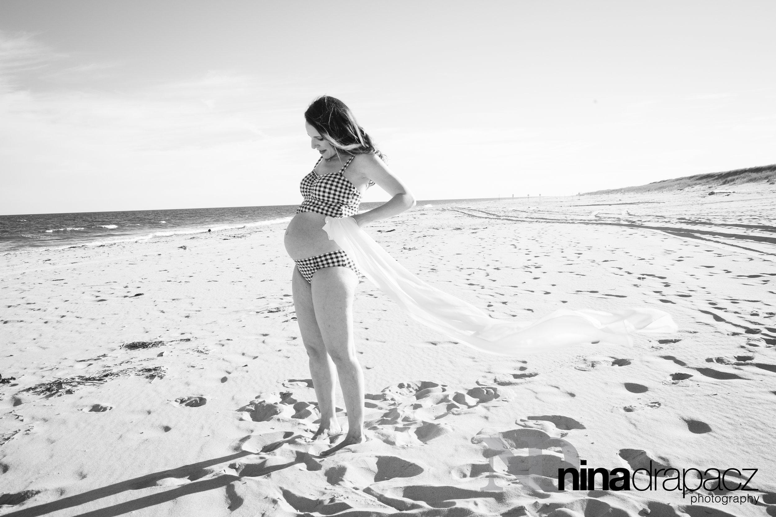 maternitysessionbeach.jpg