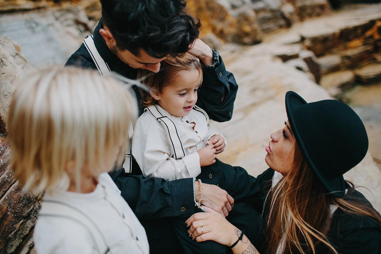 paulagfurio_family_portraits_ibiza_24.jpg