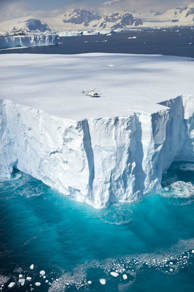 60 Heli_iceberg_7965.jpg