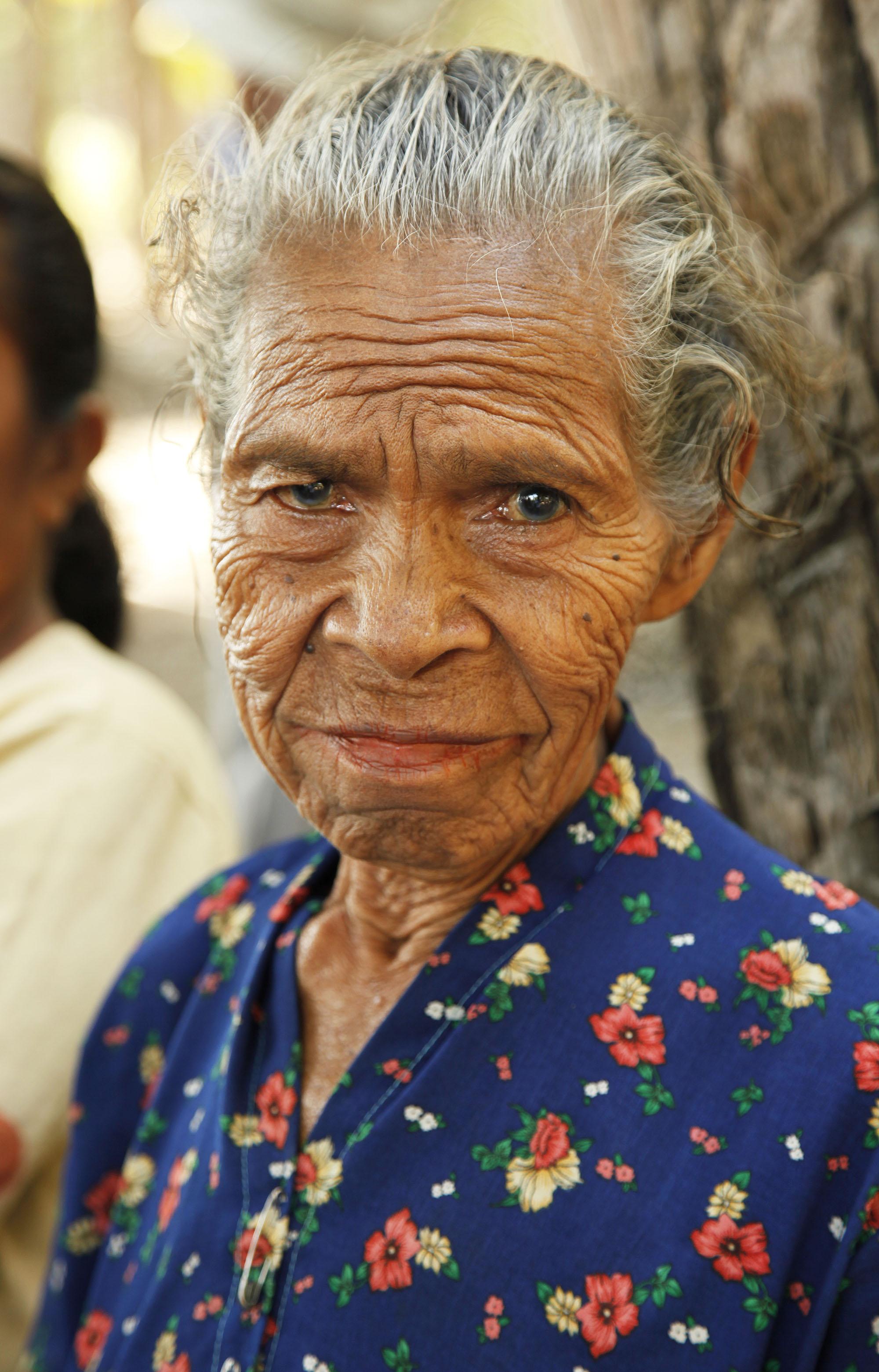old_woman_4597.jpg