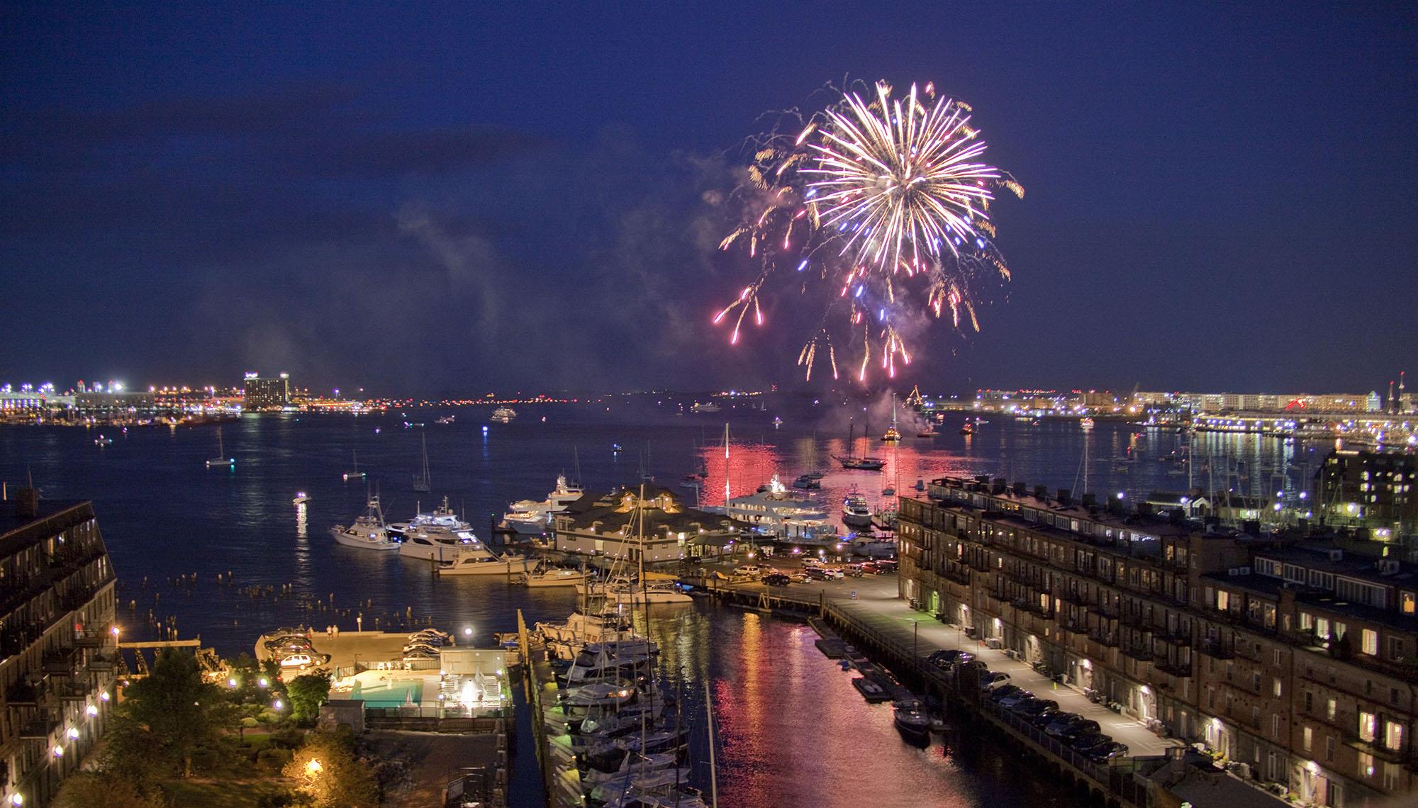 Boston Fireworks_2850©Jim Raycroft.jpg
