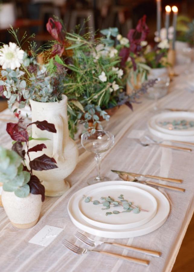 minimalist dinner table banks & leaf.jpeg