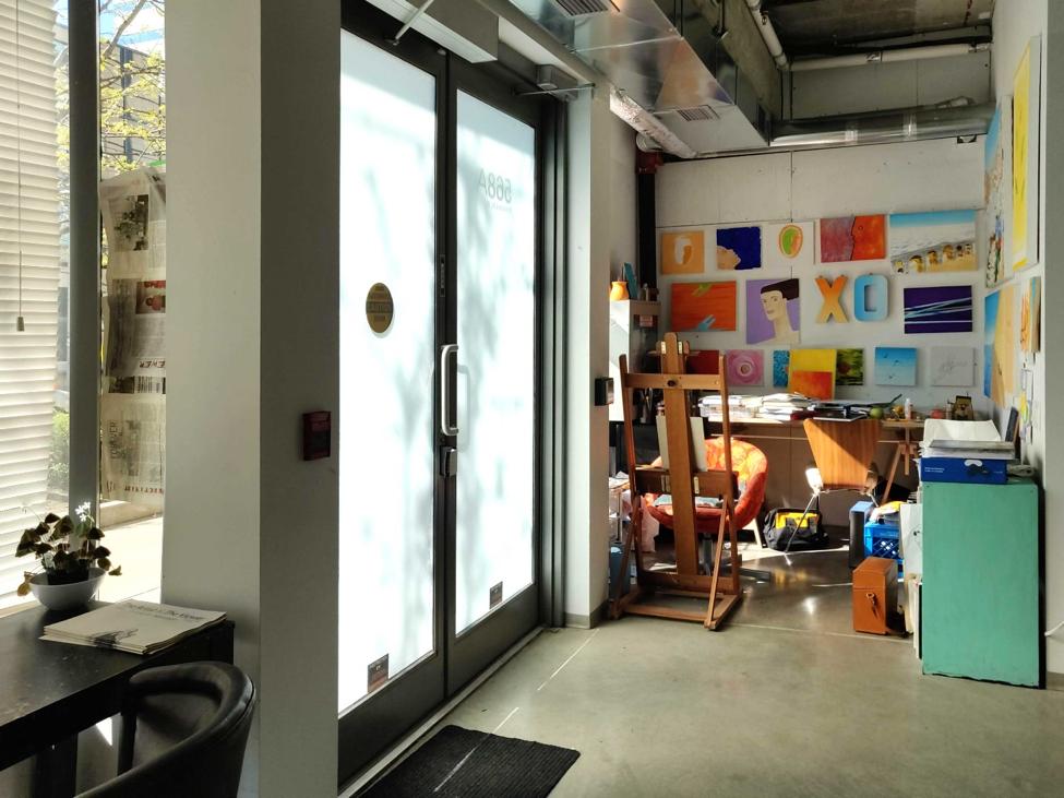 RICHMOND-interior-entrance.png