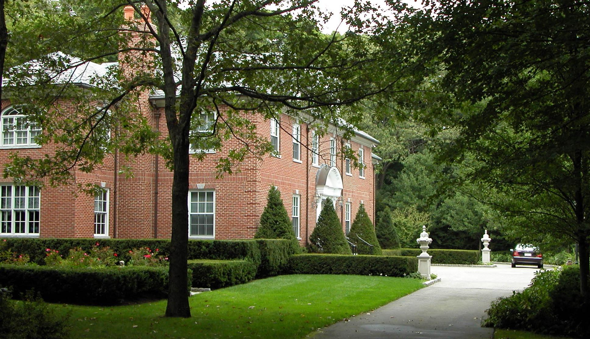 Motor Court and Rose Garden   Weston, Mass.