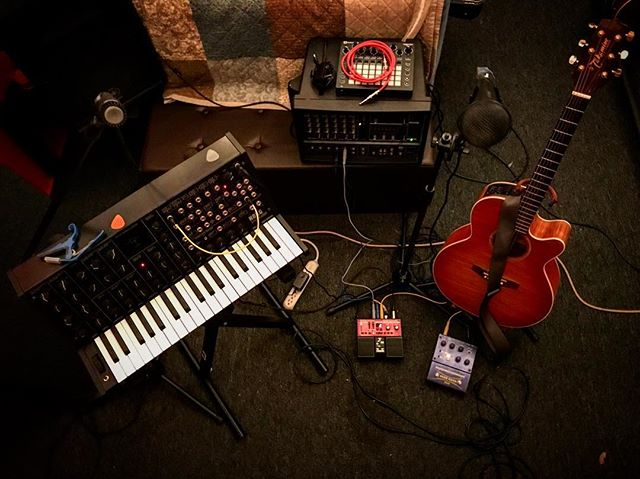 I have a live performance coming up on Saturday, November 11th @zenmystery! Live show means rehearsals! Here's the ol' setup. #livemusic #supportlocalmusic #korgms20 #takamineacoustic #bossrc30 #akaiheadrush #soflo