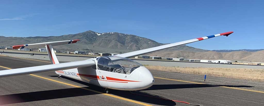 CAP-Glider-on-Taxiway-C-1024x413.jpg