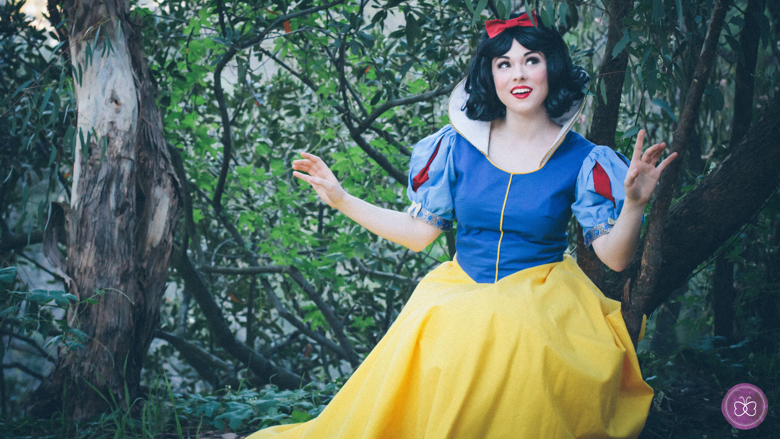 Snow White is still the fairest of them all. Her sweet serenade will will woo your little princess and her birthday party guests.