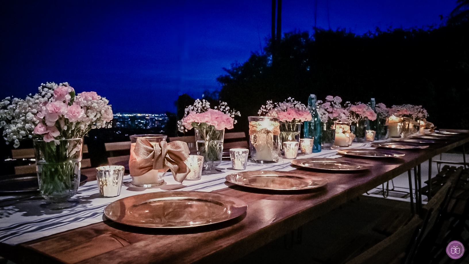 Dinner party in Beverly Hills for 22 guests planned and styled by Papillons. Bonus points go to the stunning view overlooking the city.