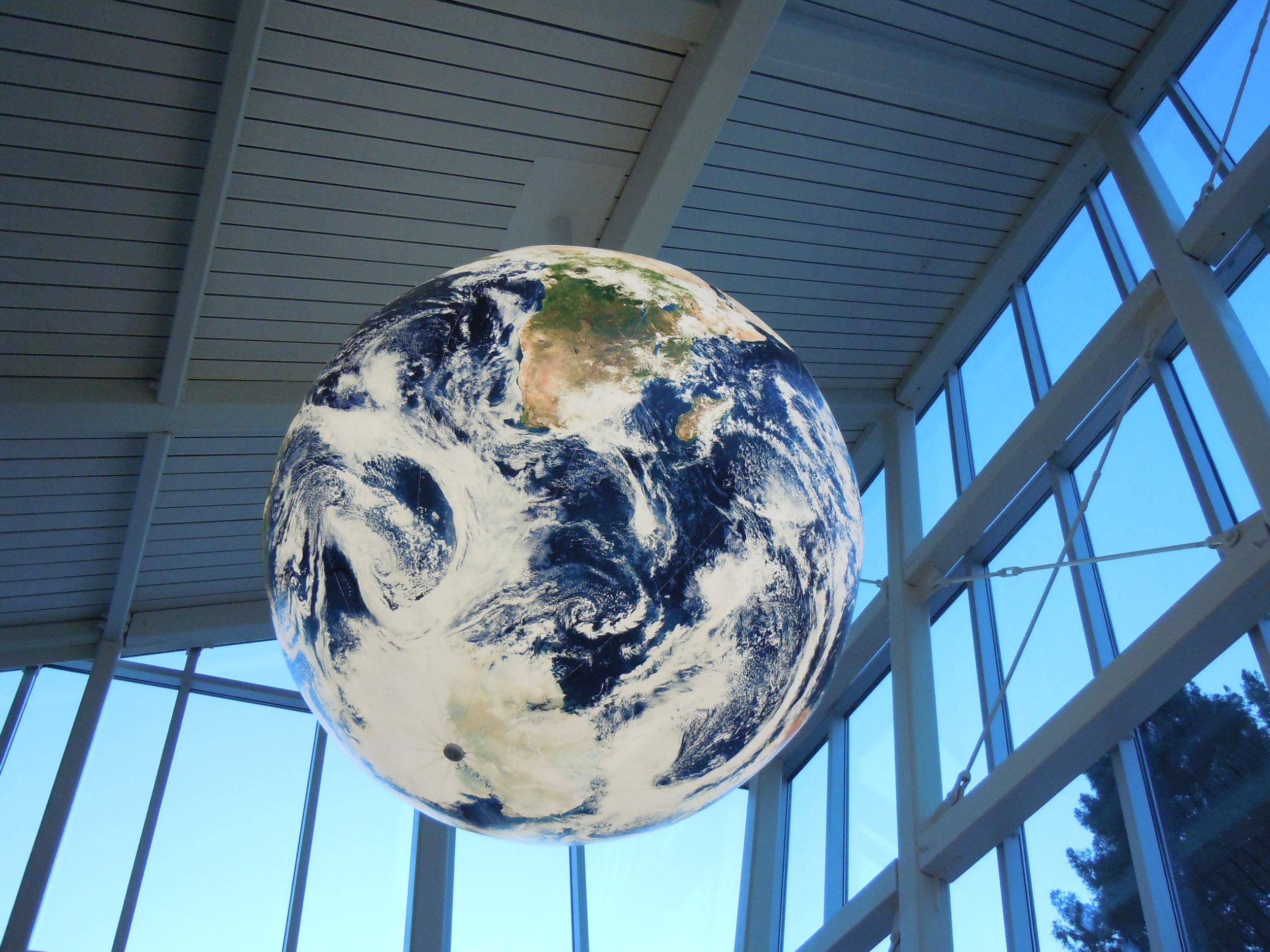 SPARQ Globe