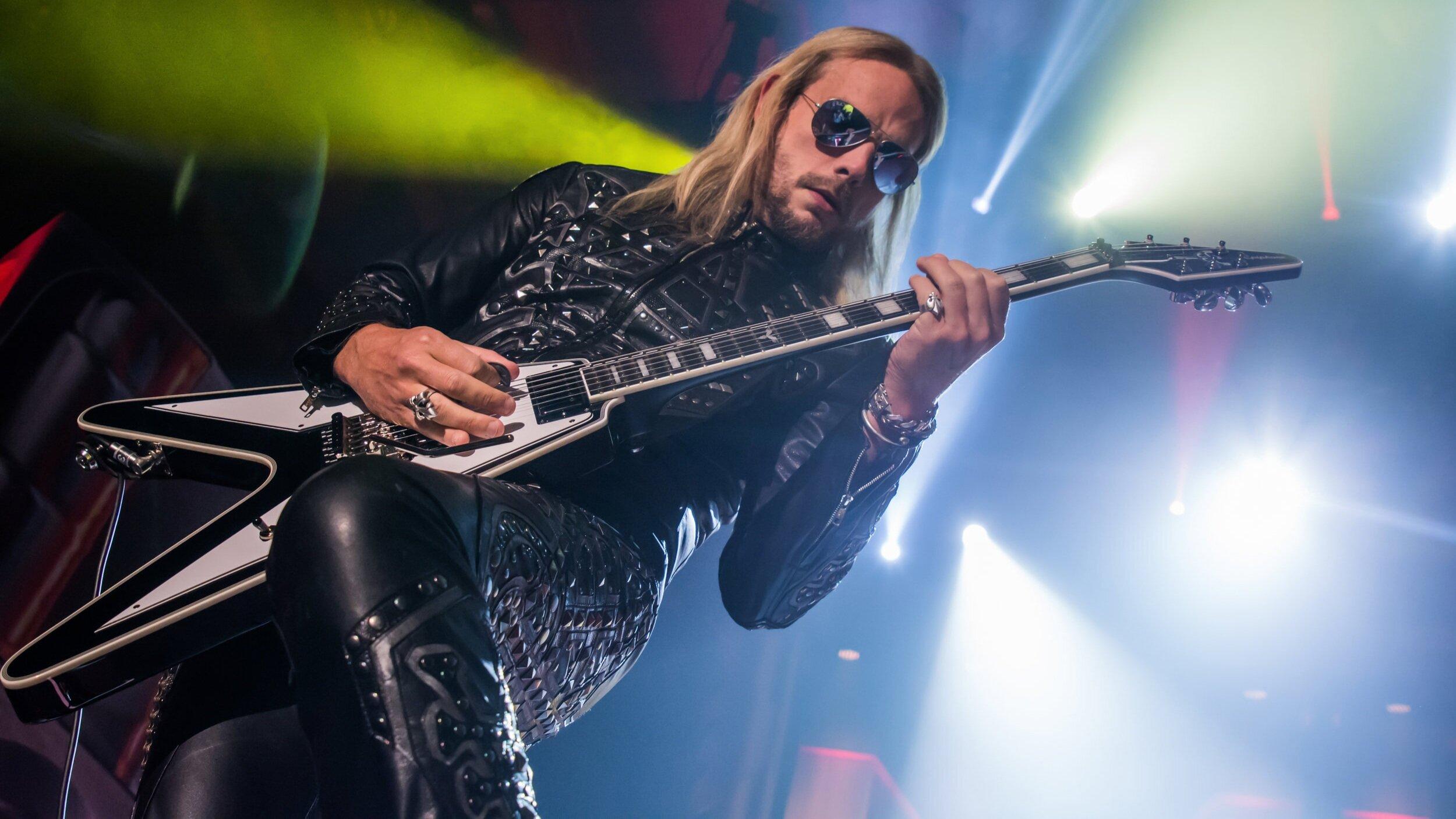 Judas_Priest-15r.jpg