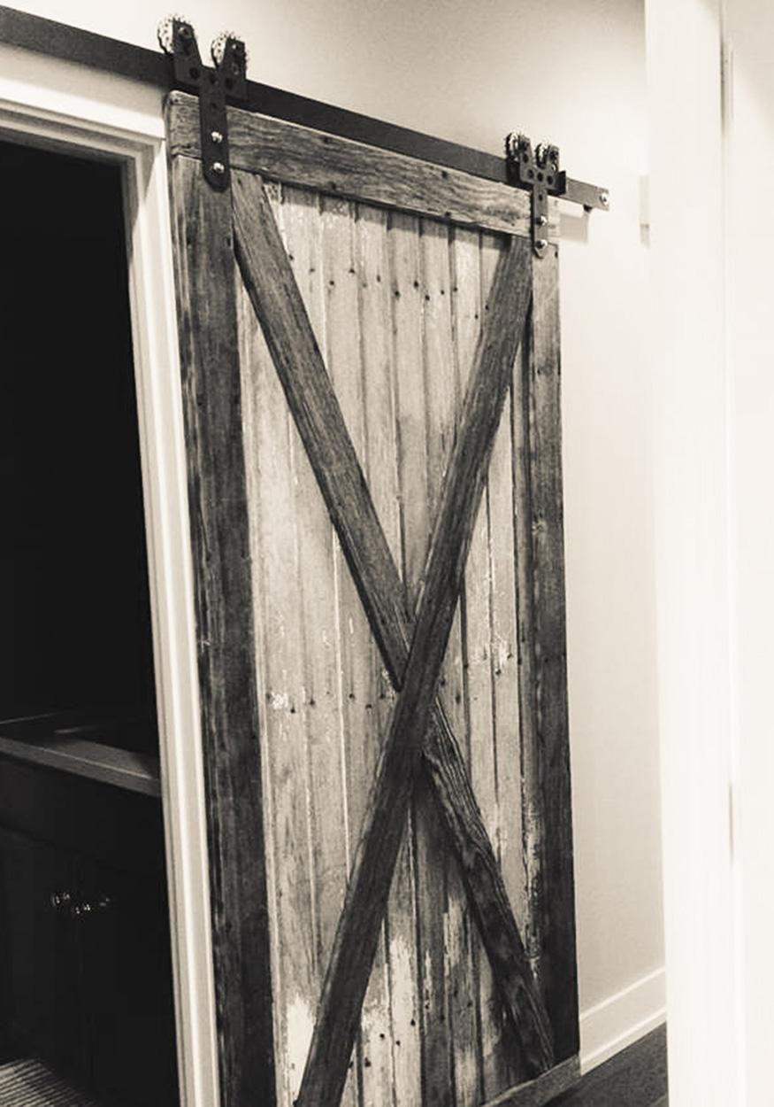 LudlowBarnwood_doors_05.jpg