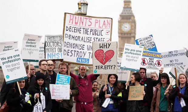 Junior doctors strike outside St Thomas' hospital, London, on 6 April. Photograph: Dan Kitwood/Getty Images