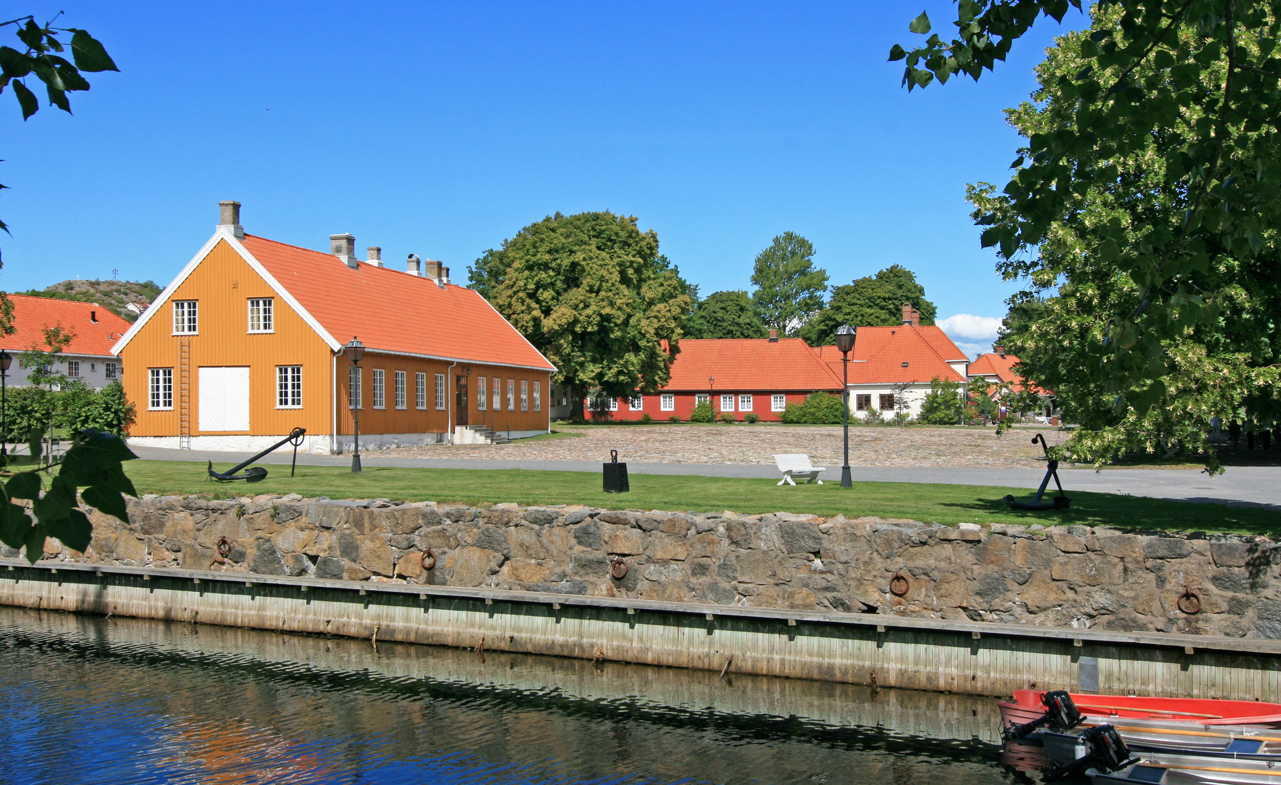 Stavern_Fredriksvern.jpg