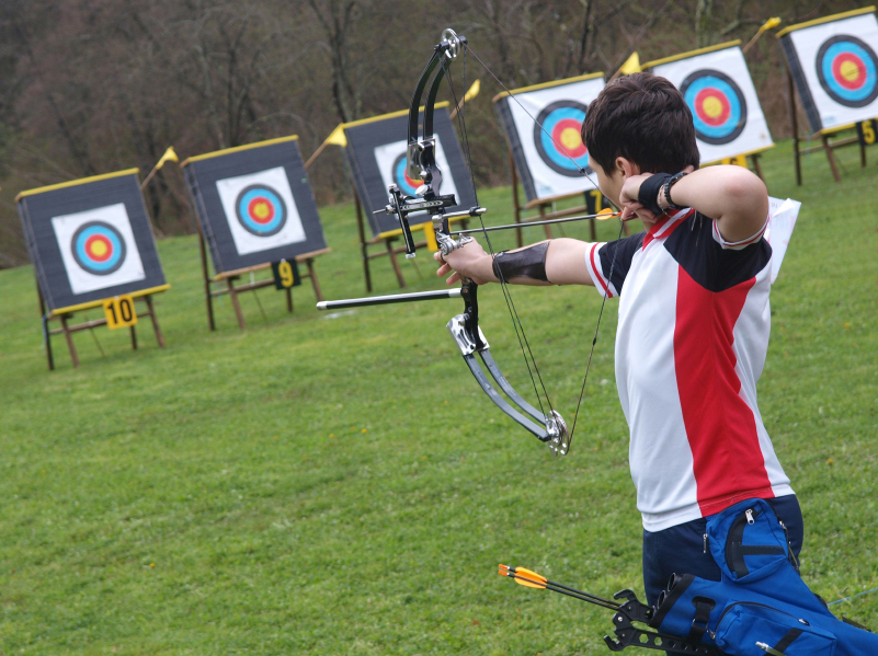 Field sports archery event at Pengenna Manor in Cornwall 01.jpg
