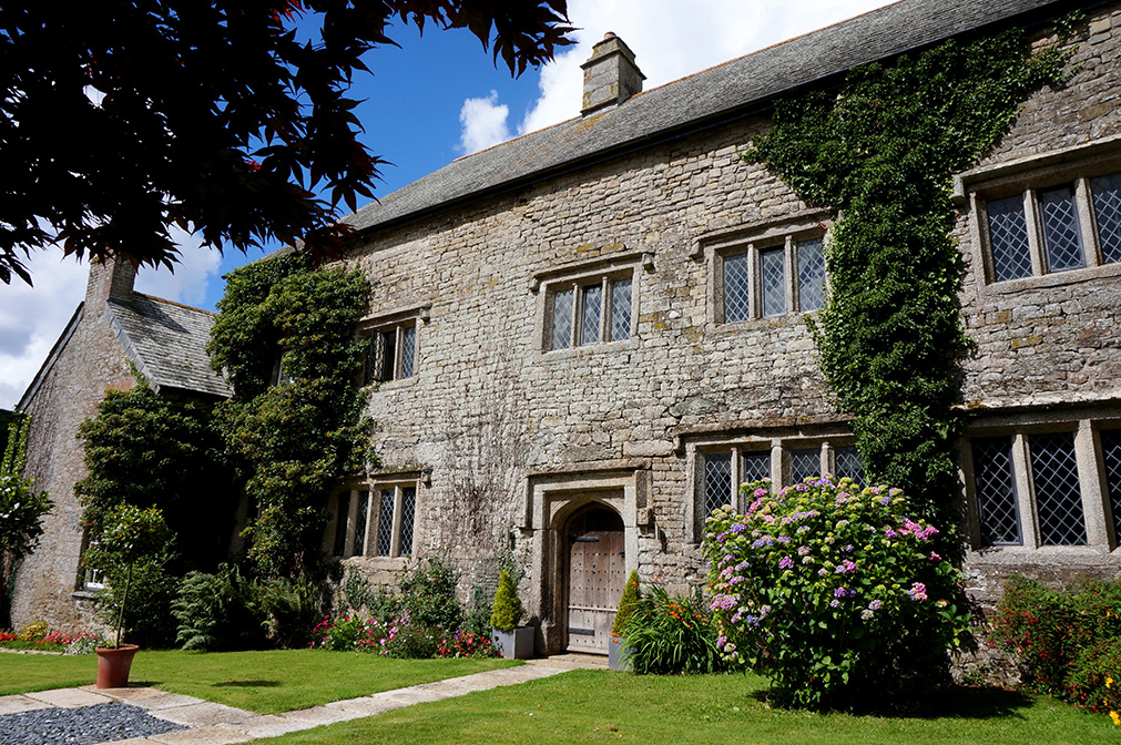 The main Elizabethan wing at wedding venue Pengenna Manor in Cornwall.jpg