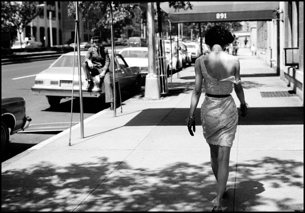 oscarprgirl :      Oscar often says that his inspiration is the anonymous girl on the street. photo, Arthur Elgort.