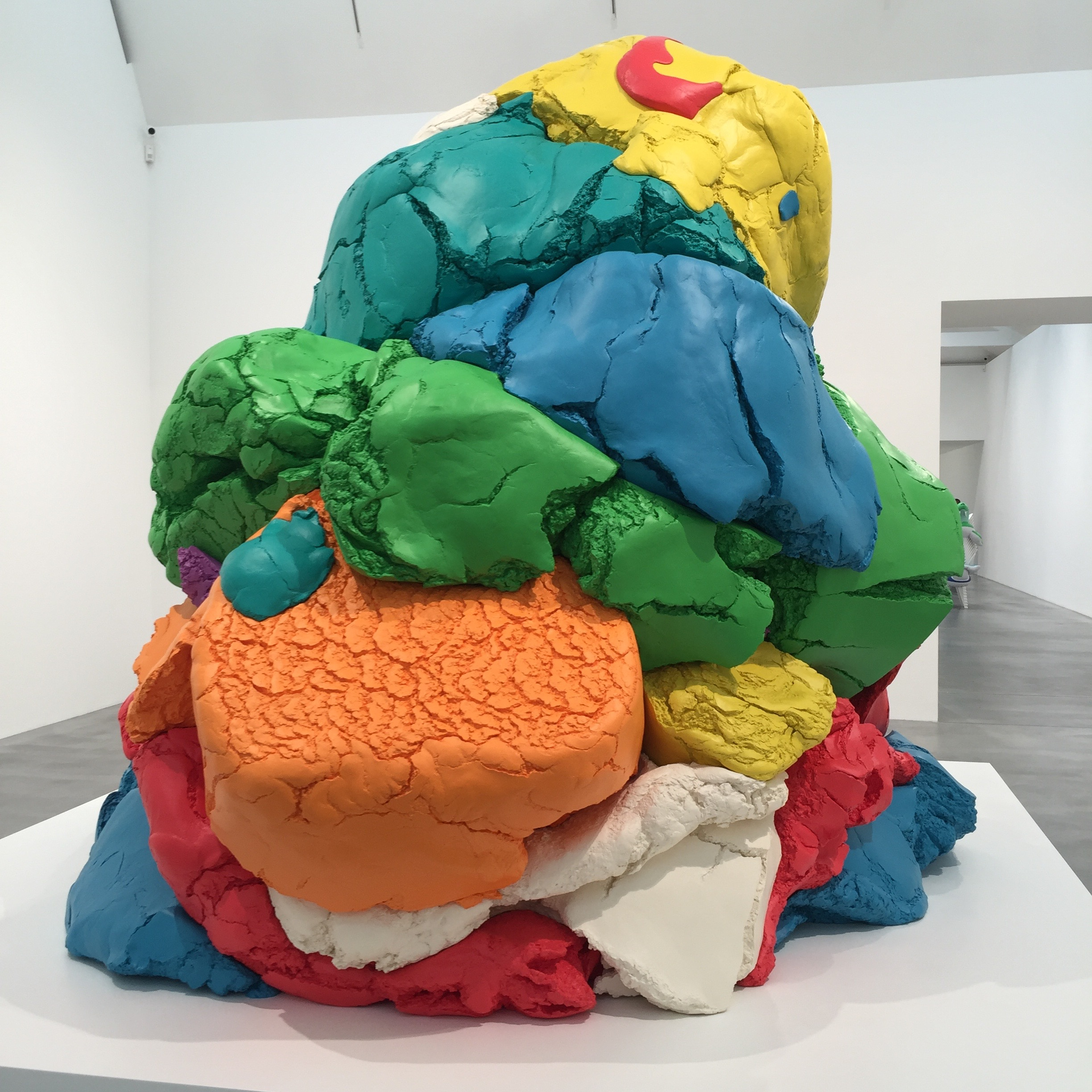 Jeff Koons | The Groucho Club | Art Brunch | Art Review | Newport Street Gallery