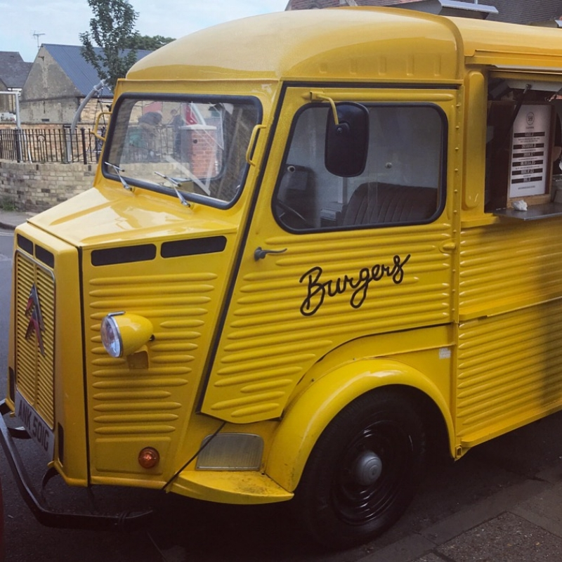 OK... so maybe there are 2 dream vans out there for me 🚌💛🍔