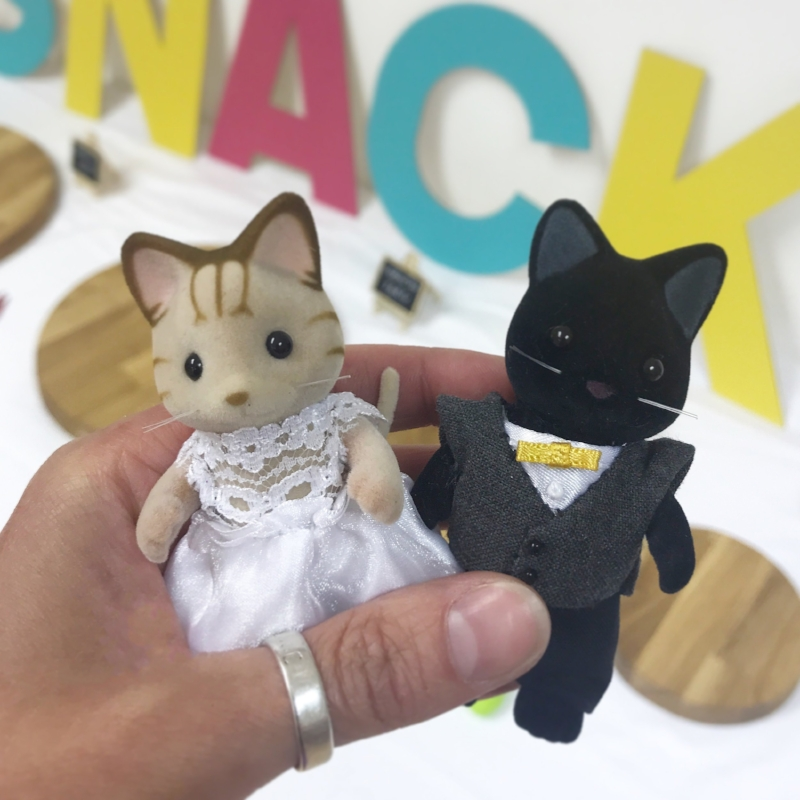 cake-toppers-sewinthegarden-sylvanianfamilies.JPG