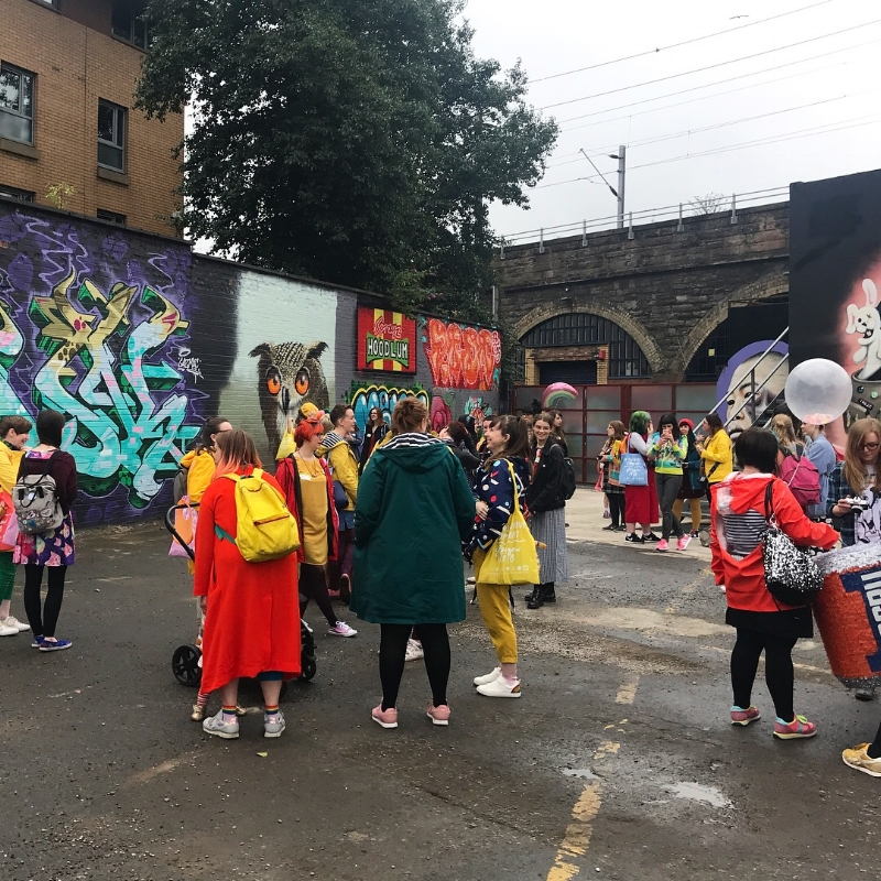 glasgow-in-colourful-company-walk.JPG