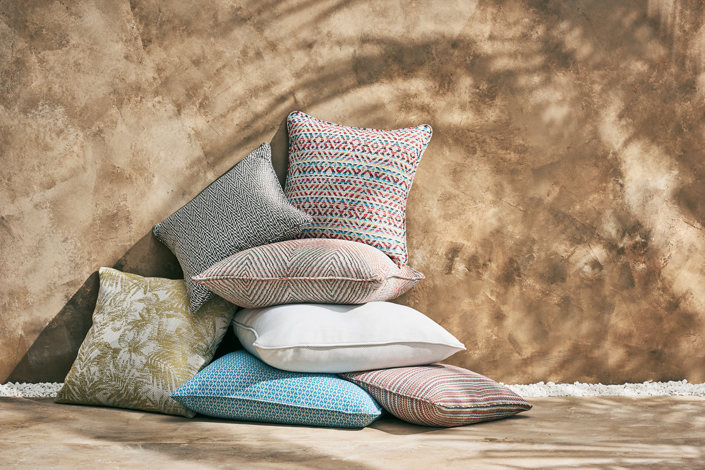 181120_Romo_Shot-36_OutdoorCollection_Cushions_1100.jpg