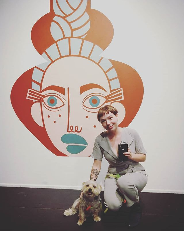 Rocky loved meeting artist @jillian_evelyn at her opening @superchiefgalleryny last night! Her colorful and stylish portraits + the friendly environment made it a perfect outing for this #culturehound 🐾🎨! Show us what you and your pup are up to for #artdogsaturday and tag us so we can feature you here!  #ridgewoodqueens #nycart #artdog #artforevertone #laartist #artopening #artshow #gallerydog