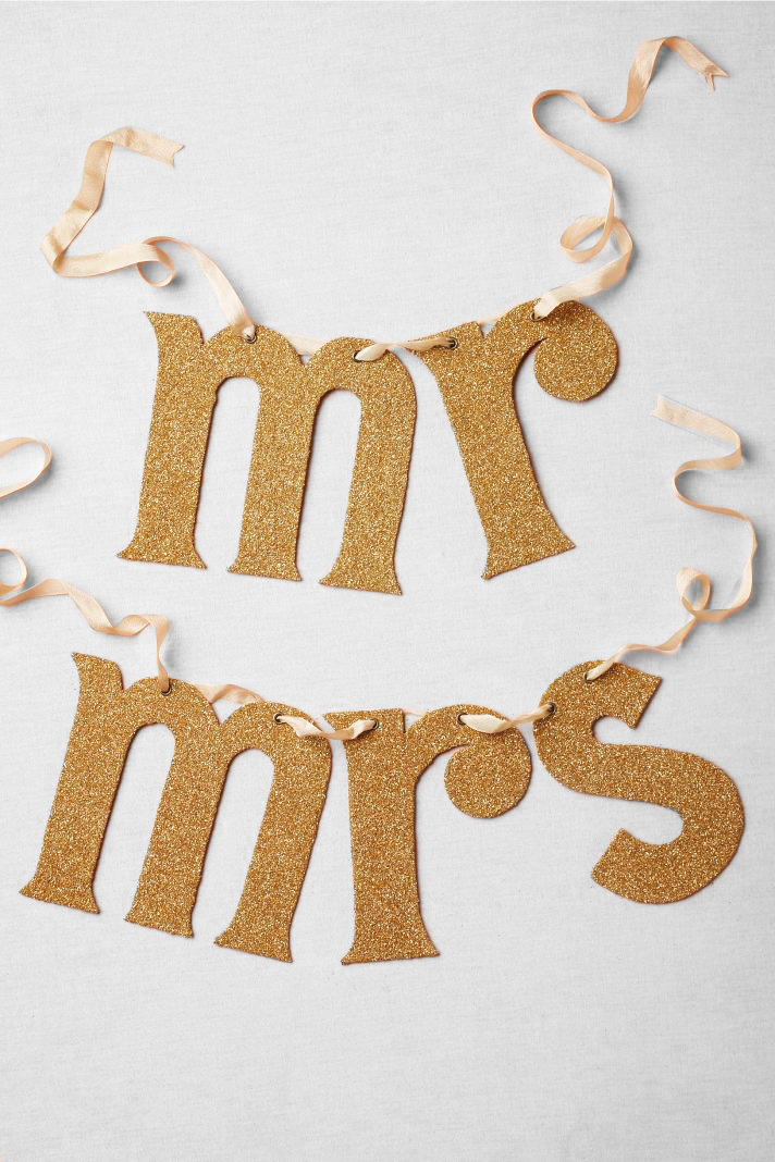 gold-mr-and-mrs-wedding-sign.jpg