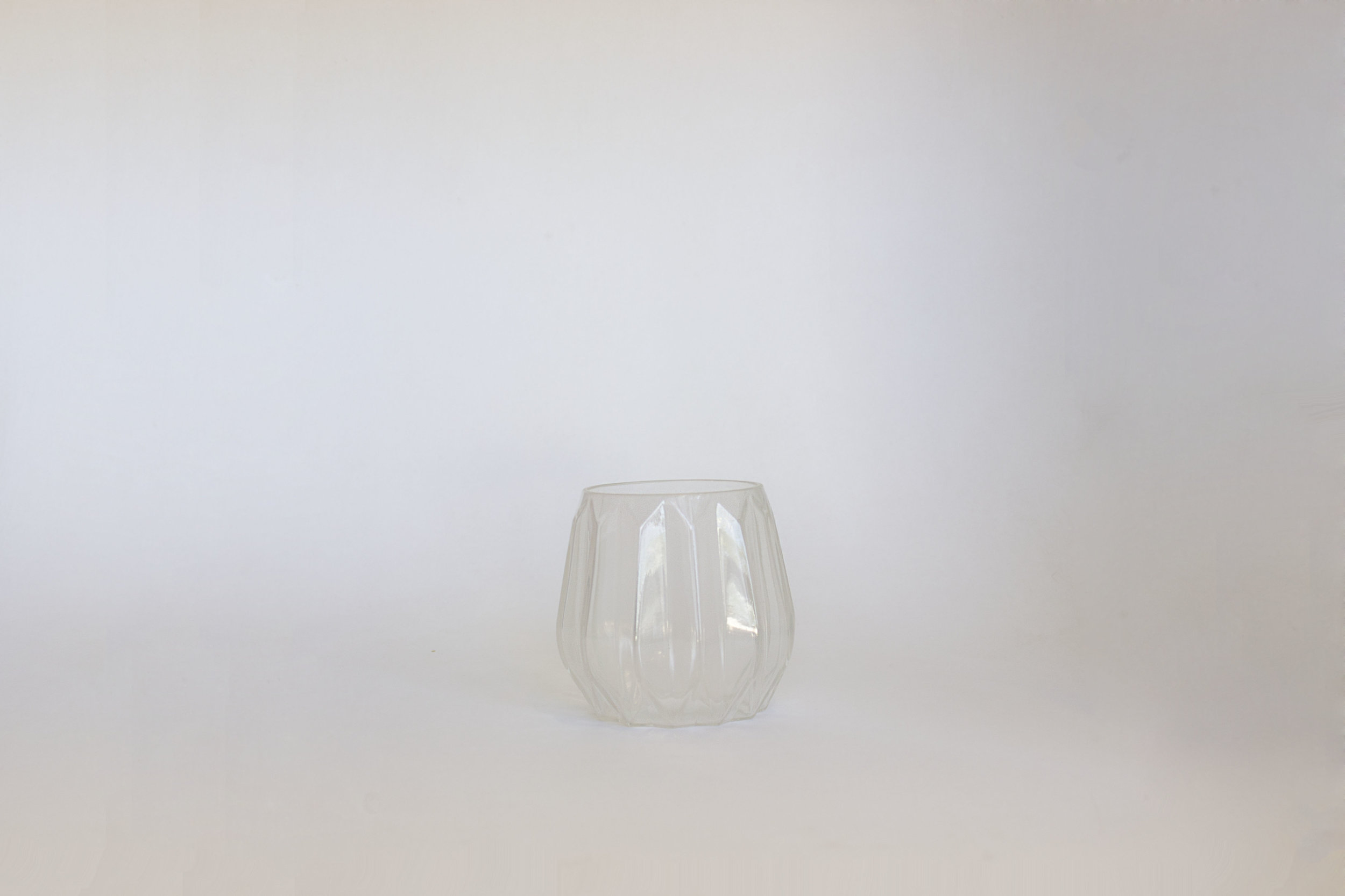 CLEAR FACETED GLASS VASE