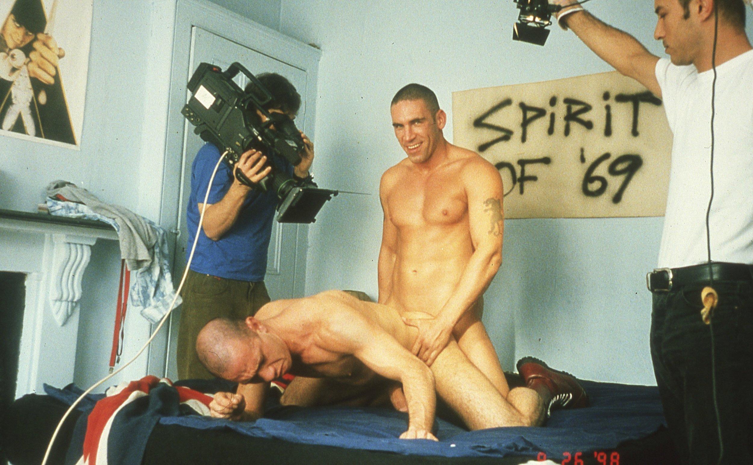 BRUCE LABRUCE (1964)  On the Set of Skin Flick #1 , 1998, fotografía impresión digital, 63 x 40